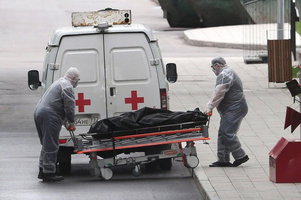 В Москве от COVID-19 впервые умерли более 100 человек за сутки