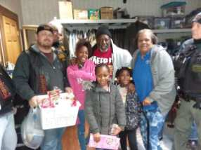Erie Veterans Receive Thanksgiving Baskets -4