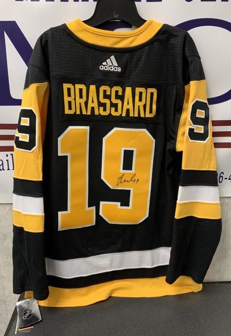 Autographed Pittsburgh Penguins Jersey #19