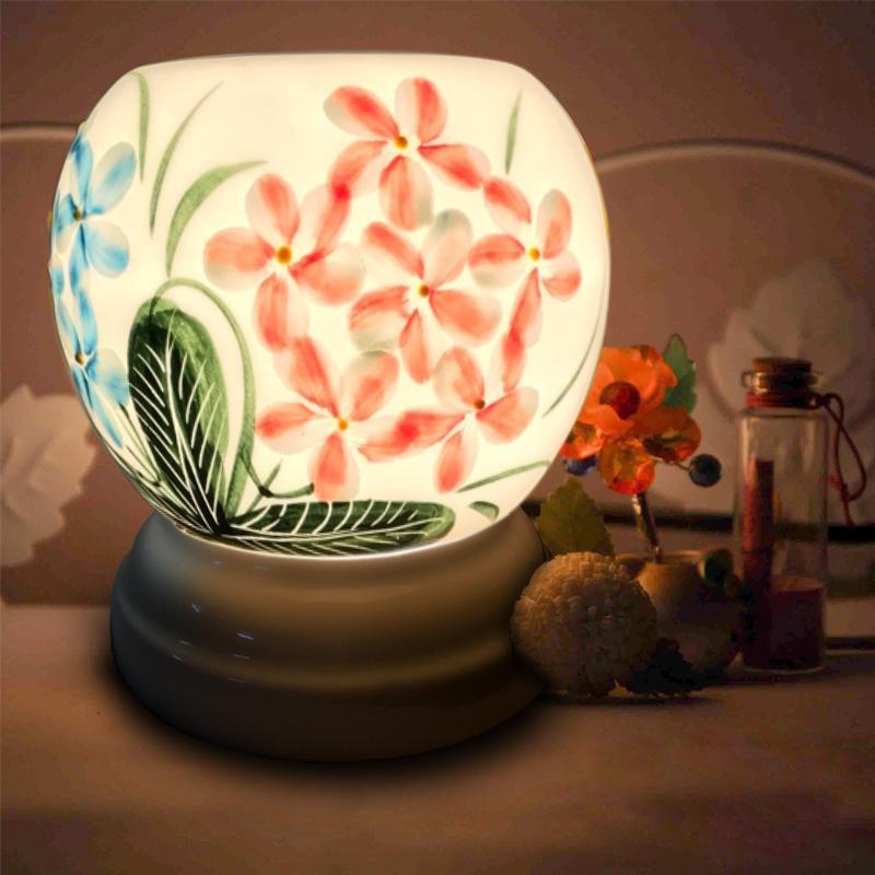 Đèn xông tinh dầu Bát Tràng + Tặng 01 lọ tinh dầu sả chanh 10ml