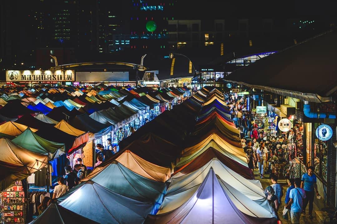 Chợ đêm xe lửa Ratchada - Đi Bangkok tự túc lần đầu, Blog KKday Việt Nam
