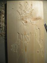 Eine Fichtenholzplatte dient als Druckstock.