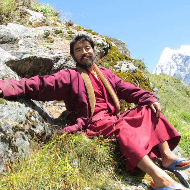 rinpoche-arms-spread-at-cave