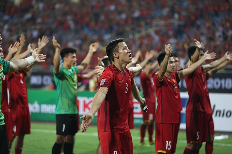 Kết quả hình ảnh cho việt nam 2-1 philippines