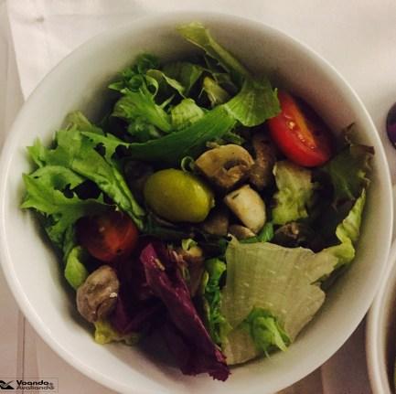 Jantar - LATAM - GRU-BCN Salada