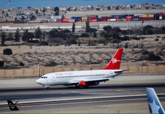 B737-200 - Taxiando - Peruvian