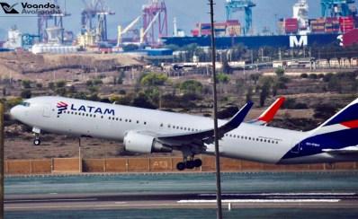 B767 - LATAM (new livery) decolando