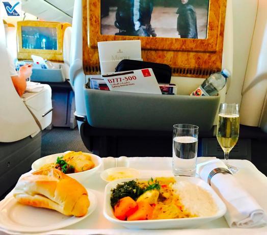 Jantar - Business - Emirates 2