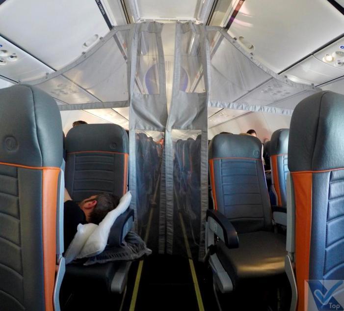 Inside-B737-Cortina-Gol-Premium-GIG-EZE
