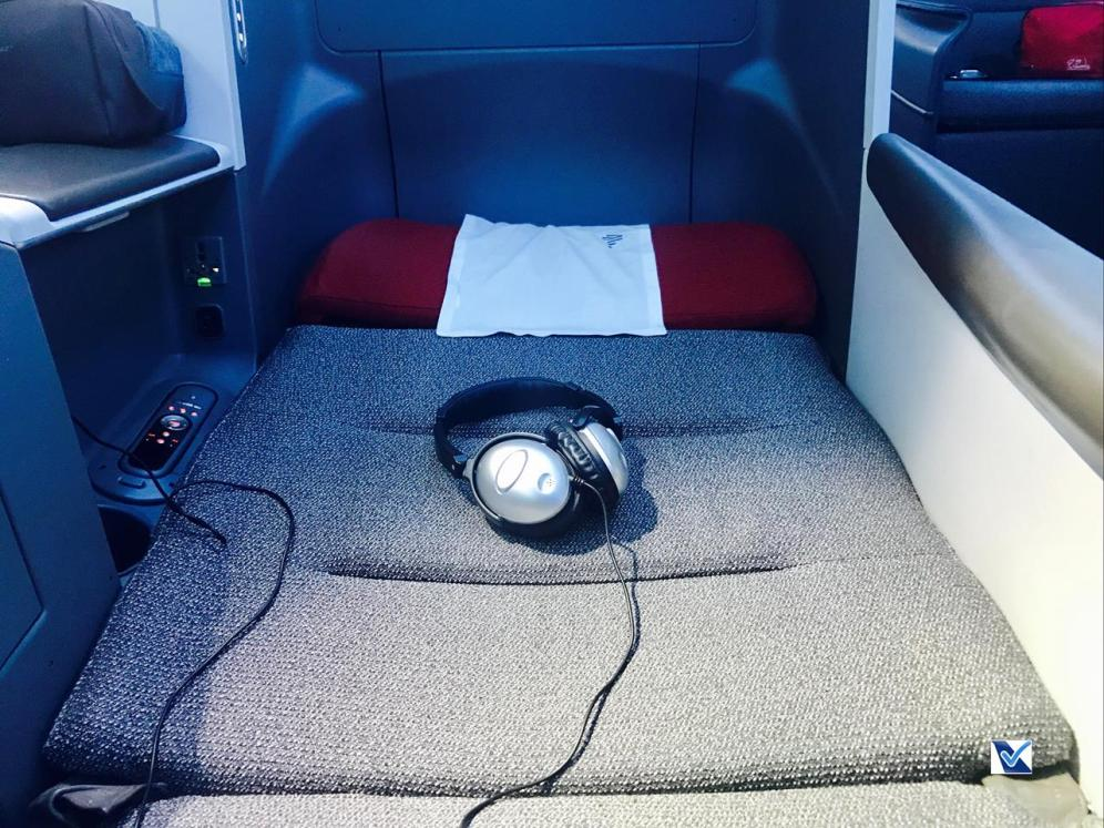 Poltrona - Cama - Business - B787 - LATAM 1