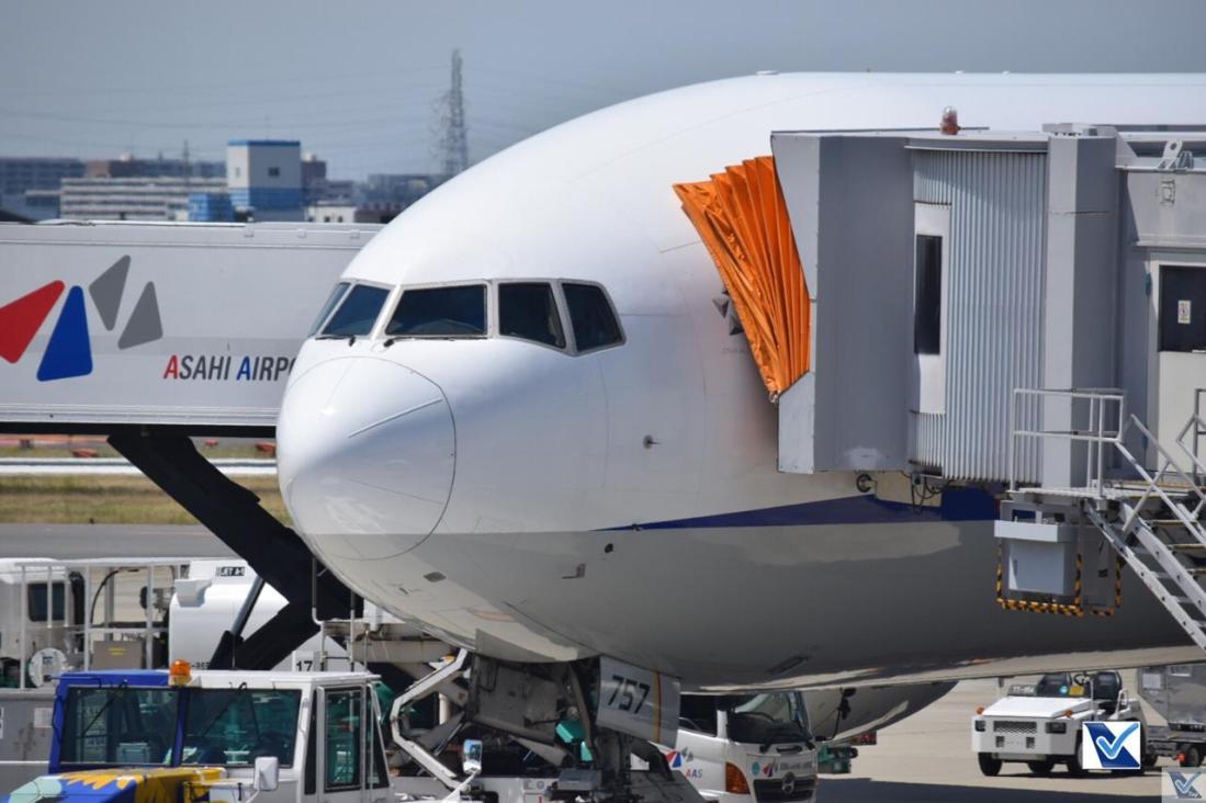 ANA - B777 - Estacionado Osaka