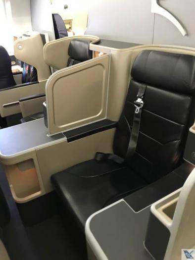 Qantas - A330 - Business (3)