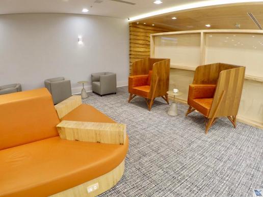 Sofá-Laranja-Cadeiras-Estilosas