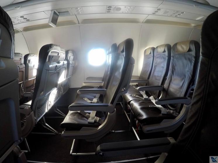 Inside-A321-Swiss-Econômica 7