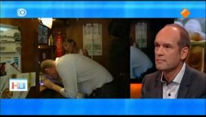 Segers op werkbezoek in de Rotterdamse coffeeshop van Myranda Bruin, bestuurslid VOC