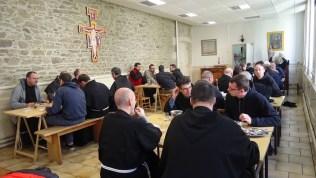 Repas en communauté au couvent Saint François