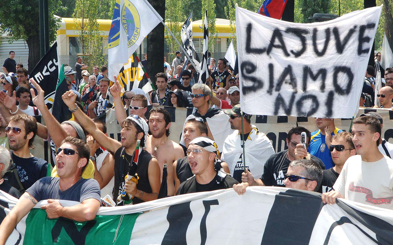 Capo ultras Juve aggredito si indaga su mondo tifosi e