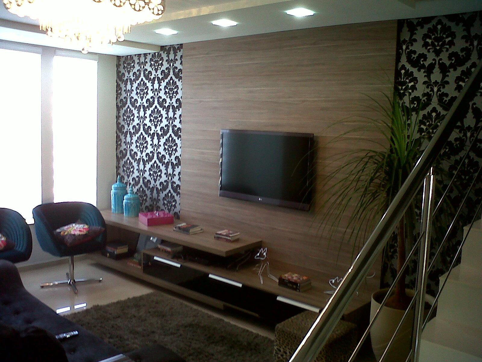 #476375 outra opção para o uso do papel de parede na sala é atrás da tv  1600x1200 píxeis em Decoração De Sala Com Tv Lcd Na Parede