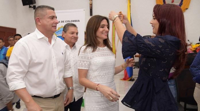 Primera dama distrital, Katia Nule, recibió el reconocimiento 'Gran mujer barranquillera'