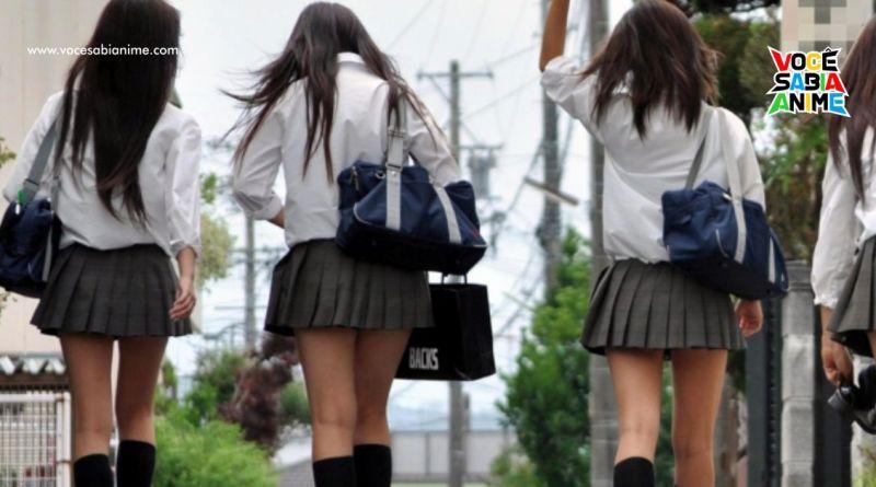 Garotos de escola fundamental vendem fotos de meninas da turma na internet