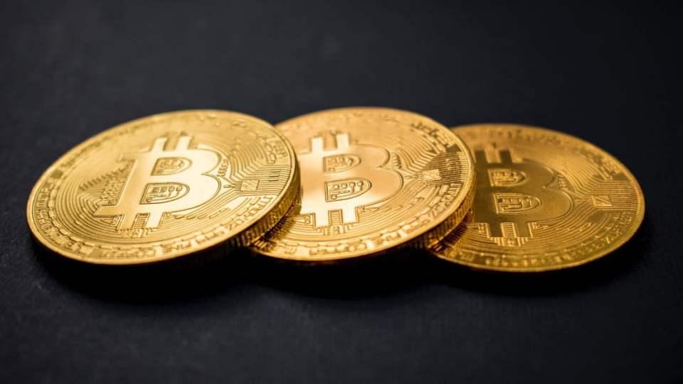 XTB: Cum va afecta investiţiile în Bitcoin de 1,5 miliarde dolari parcursul Tesla în ?