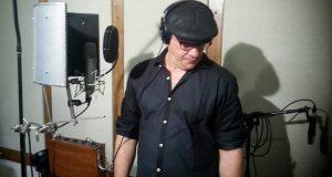 El actor Carlos Esteban Fonseca se mantiene firme en promover el teatro local.