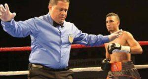 En su primer compromiso como profesional, Rubén O'Neill Mass derrotó por la vía rápida a Luis Declet.