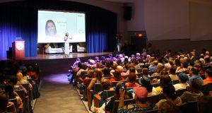El evento Hablemos de cáncer: encuentro educativo contó con la participación de la periodista Keylla Hernández.