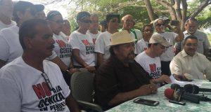 Integrantes del Campamento contra las cenizas de carbón y el alcalde de Juana Díaz reiteraron su oposición al depósito de cenizas.