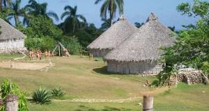 Representación de yucayeque taíno. (Wikimedia Cominos / MichalZalewski)