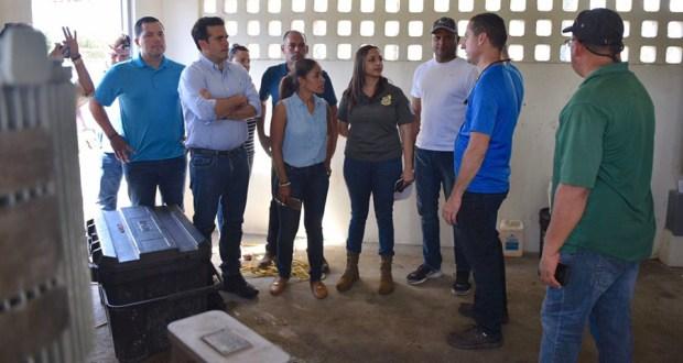 El gobernador Ricardo Rosselló, la alcaldesa salinense Karilyn Bonilla y la secretaria de Recursos Naturales y Ambientales, Tania Vázquez. (Suministrada)