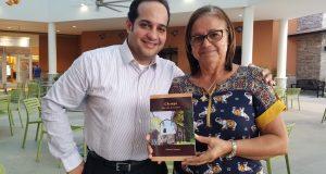 El doctor Roberto Cartagena y Norma Martínez estarán presentando el libro Chemyn: Más allá de Vietnam este domingo, 10 de septiembre, en la librería El Candil en Ponce.