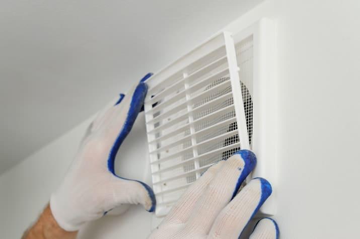 Badkamer Ventilator Dak : Schimmel in badkamer oorzaken hoe schimmel verwijderen