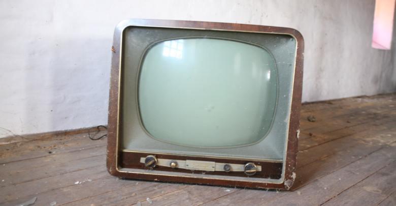 Netflix, telewizja tradycyjna, telewizja linearna