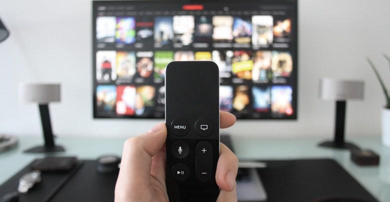 Tradycyjna telewizja przechodzi do internetu. Oto jak wygląda rozrywka online