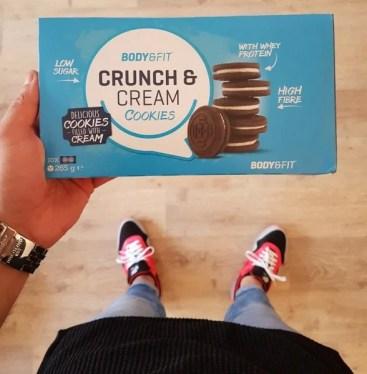 crunch & cream cookies review