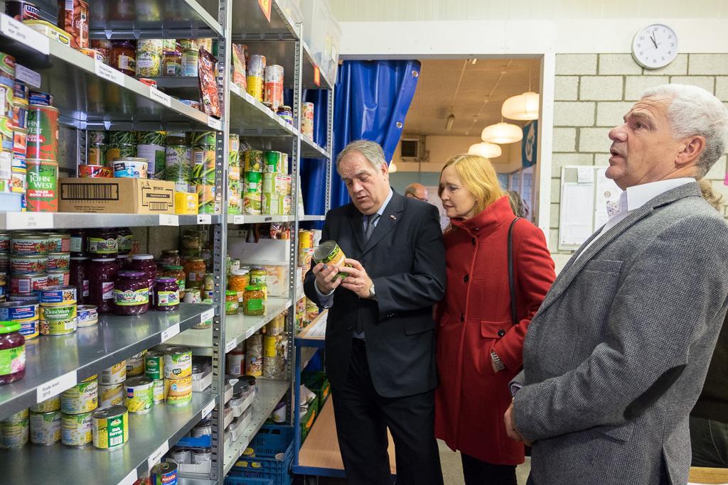 Bezoek Burgemeester Bas Verkerk aan Voedselbank De Bilt