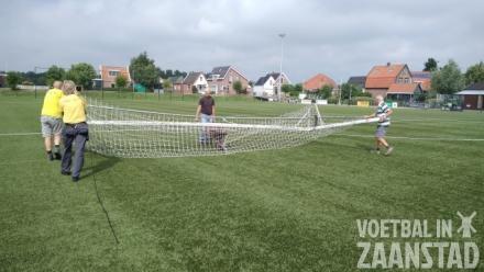 Voetbal in Oost-Knollendam komt op gang