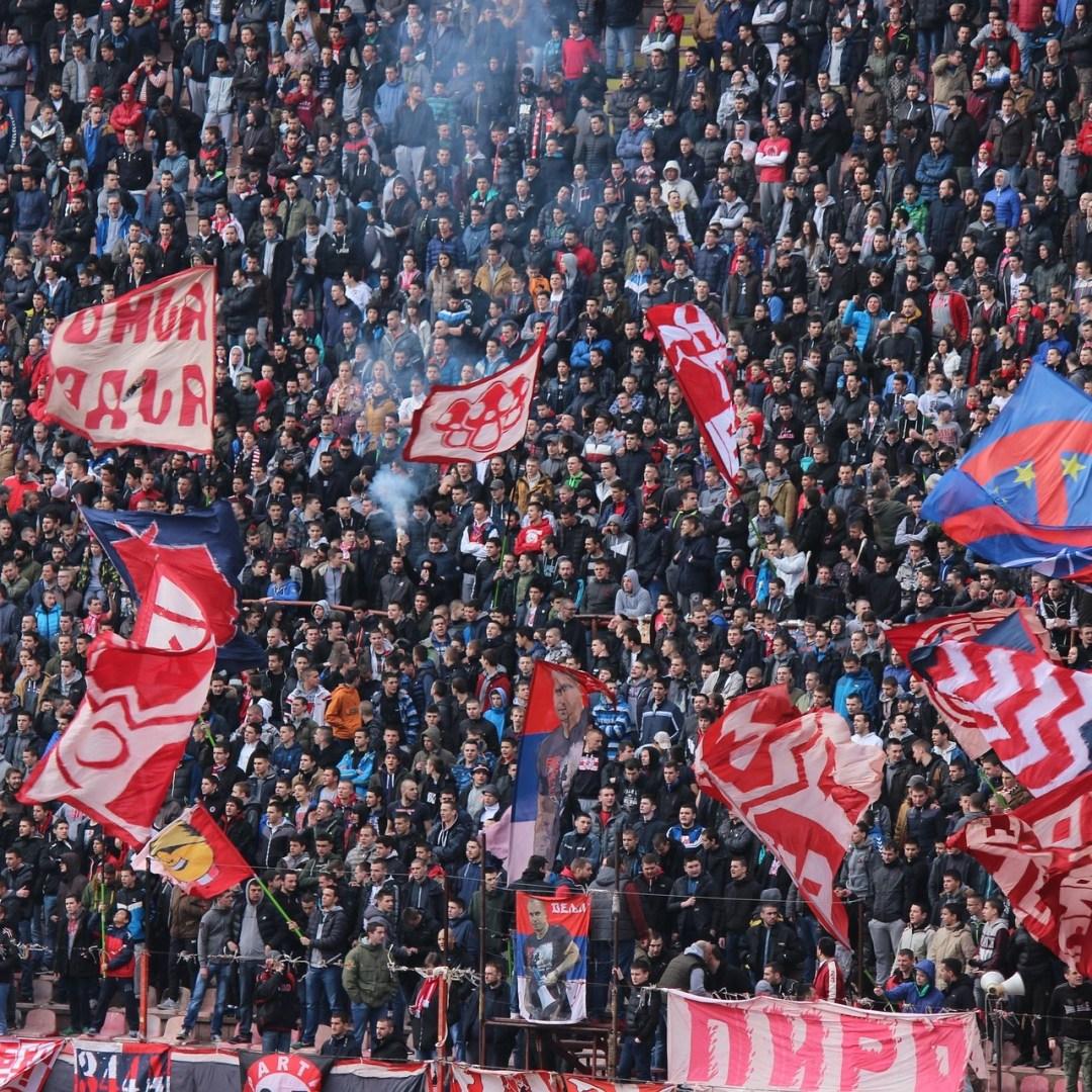 Fans van Rode Ster Belgrado zijn een van de meest beruchte supportersgroepen van Europa. Geen wonder dat hun deel uitmaken van de Eternal Derby samen met Partizan Belgrado. Lees verder en kom alles te weten over deze strijd.