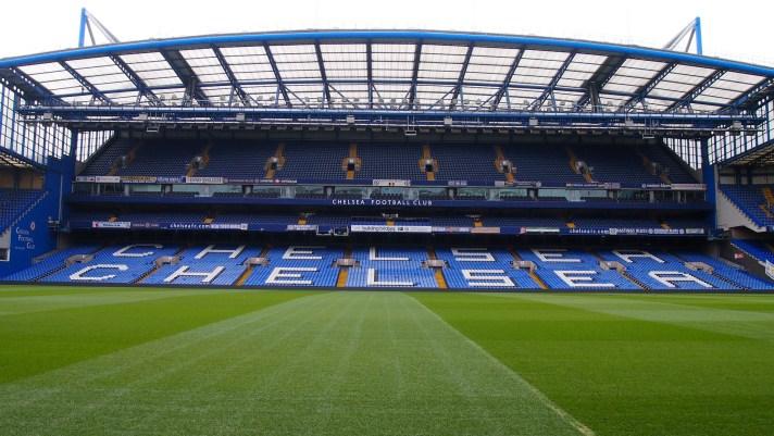 Het indrukwekkende Stamford Bridge, stadion van Chelsea. Als je een voetbalwedstrijd in Londen wilt bezoeken is dit dé plek waar je geweest moet zijn tijdens je voetbalreis naar Londen.