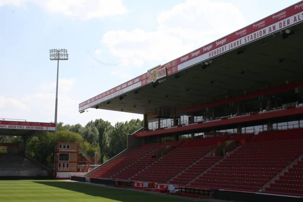 De hoofdtribune van het Stadion an der Alten Försterei.