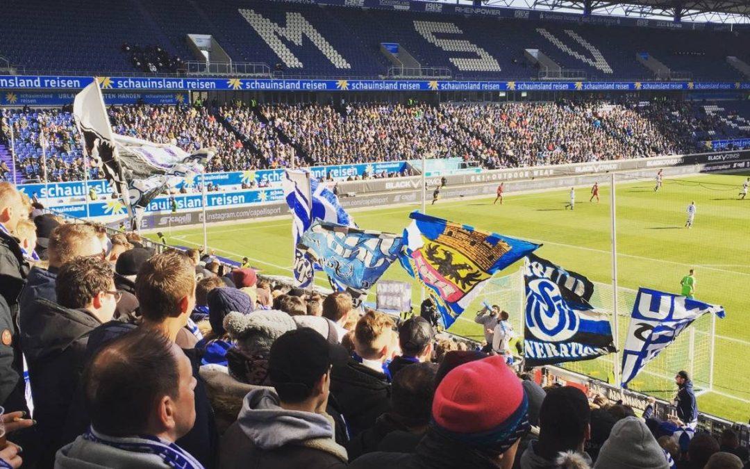 Voetbalwedstrijd van MSV Duisburg tegen Ingolstadt.