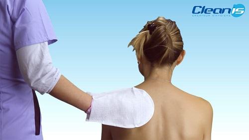 Ръкавица за безводно измиване на тяло и глава Aqua на Cleanis Франция