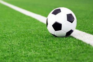 Nachwuchskicker können sich freuen – die Erneuerung des Kunstrasenplatzes im VfB Stadion kann beginnen!