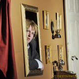 The.aRter Greiz e.V. führt im Weißen Saal des Unteren Schlosses am Silvestertag das Stück Dinner for one Killer for Five auf