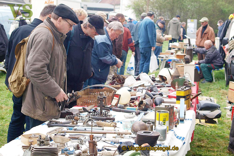 Gut besuchter Oldtimer-Teile-Markt in Greiz-Neumühle