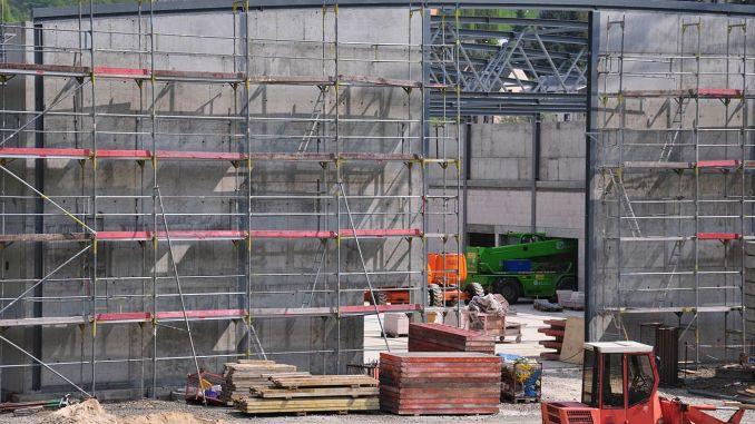 Bau der Greizer Zweifeldersporthalle geht planmäßig voran