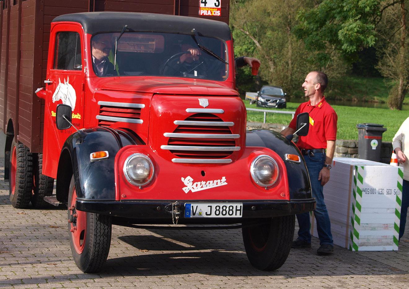 Historische Motorfahrzeuge zur 32. ADAC Oldtimerausfahrt