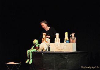 Kinder aus Greiz, Mohlsdorf und Zeulenroda erleben in der Vogtlandhalle Greiz den Froschkönig