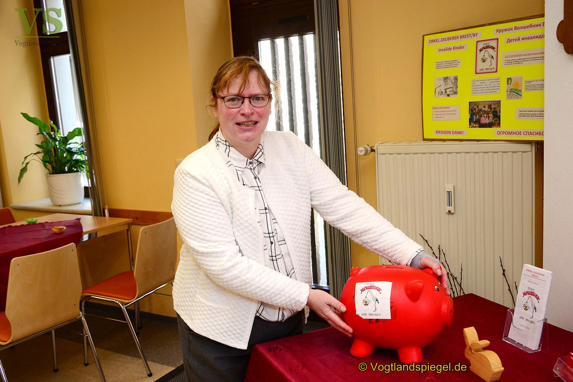 Christiane Gräßer lud zum siebten Benefizkaffee ein